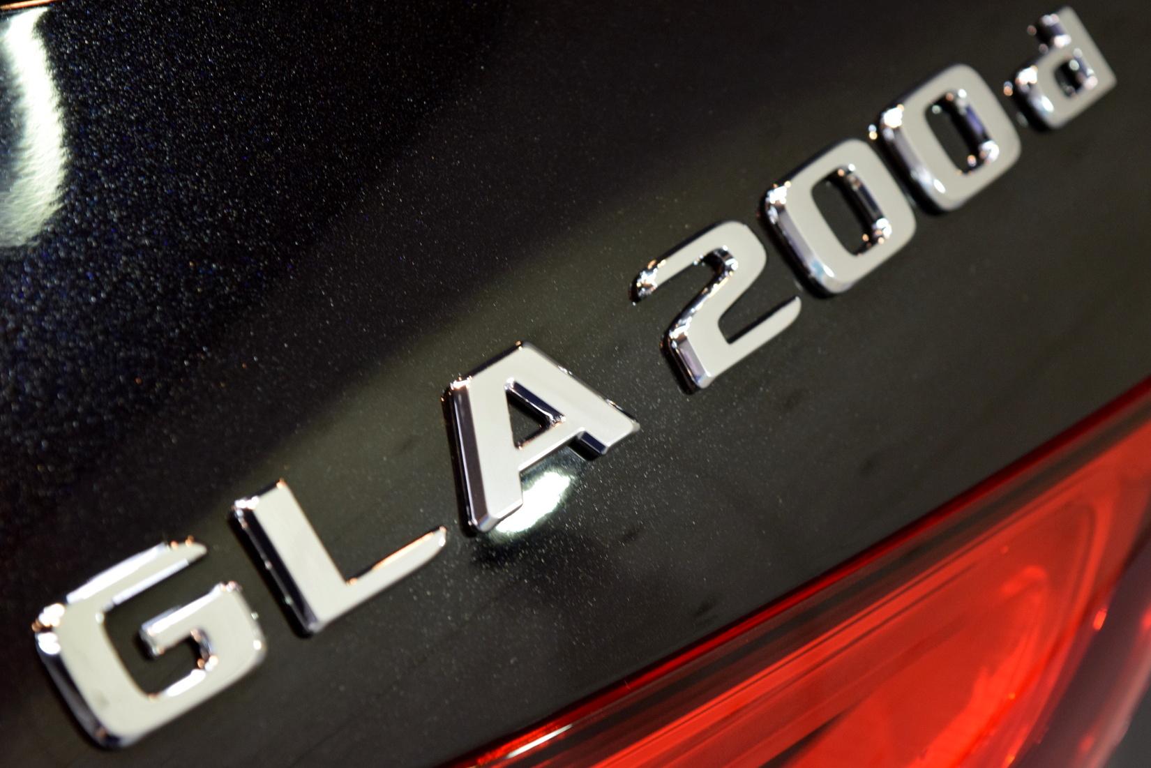 gla200d 03
